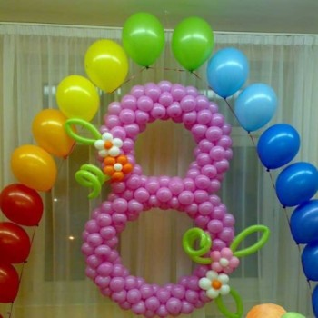Цифра 8 + 20 гелиевых шаров