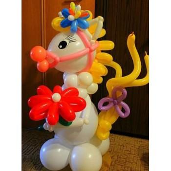 Лошадка из шаров