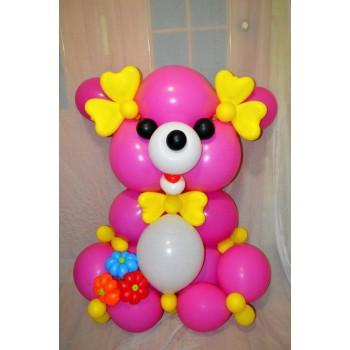Большой медведь из линков с букетом