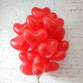 Красные сердца латексные