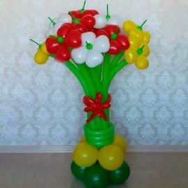 Стойка 13 цветов из сердечек