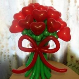 Букет 15 красных сердец